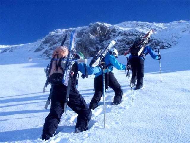 Curso de esquí fuera de pista en gran pendiente - Formación técnica - Guías de montaña