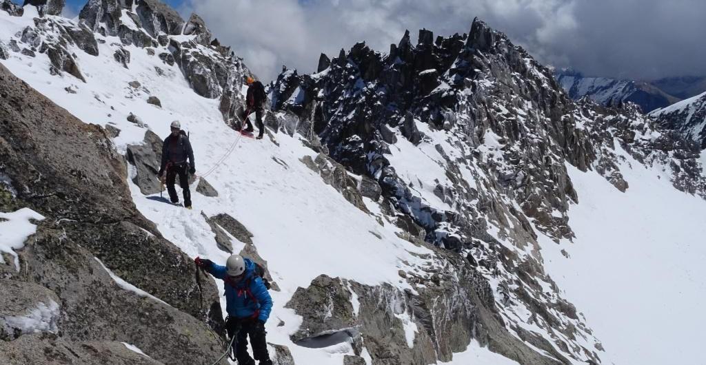 Pirineos-Alpinismo: Pico Tempestades (3290m) Benasque-Valle de Vallibierna-Ibon de Llosas-Parque Natural Posets-Maladeta