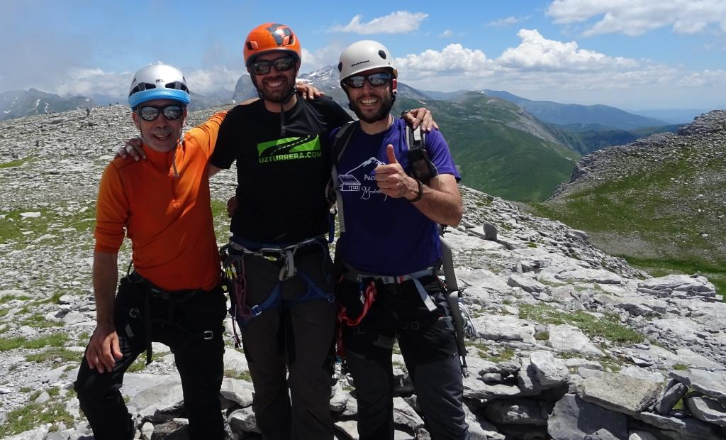 Escalada en roca en Pirineos: Peña Ezkaurre, Arista Este (800 m,D)