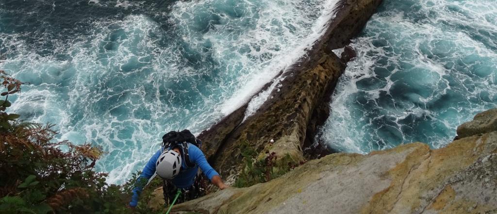 Faro de la Plata-escalada en roca: Gokyo bidea (235 m,5º+)