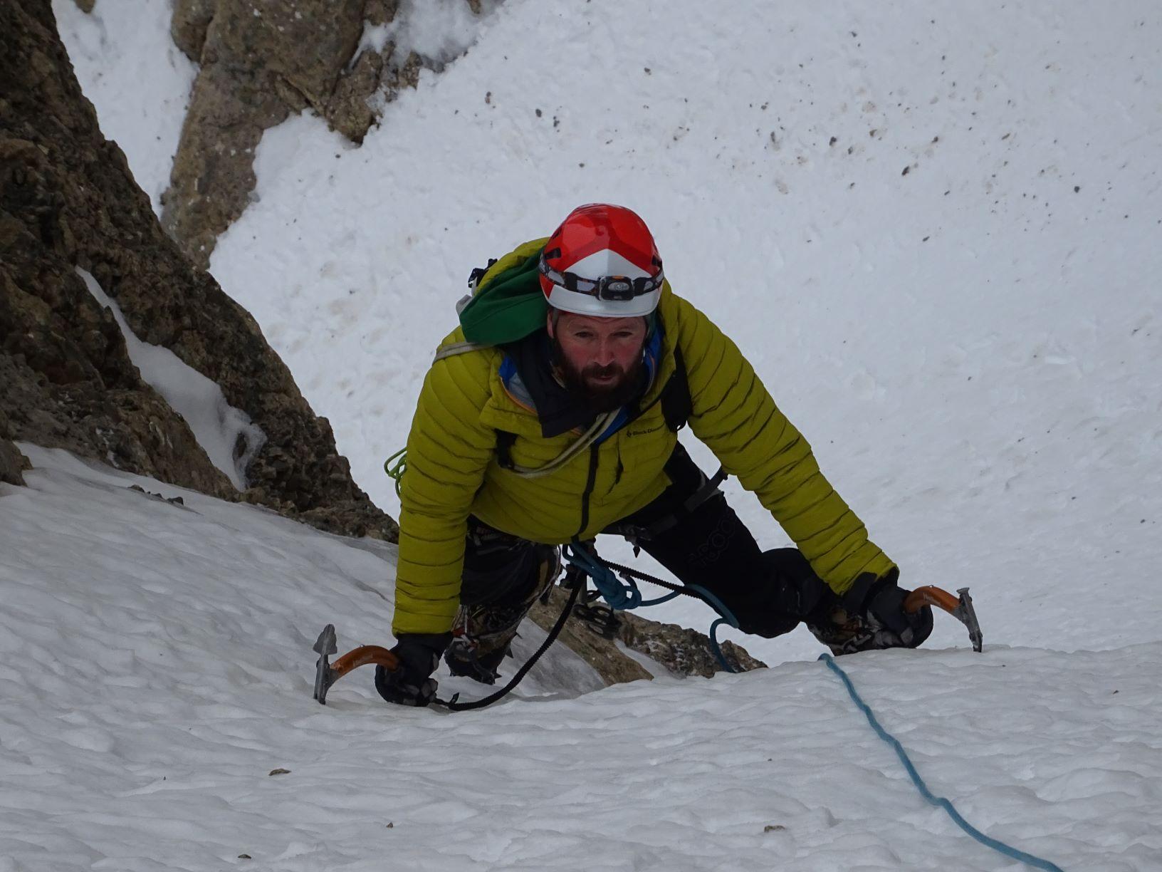 Pirineos: Sierra de la Partacua-Telera: Corredor de la Y (450 m-AD)