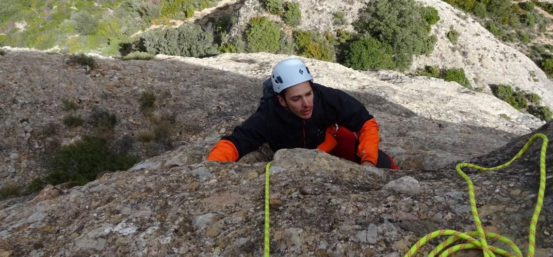 Peña Rueba-Escalada en roca: Espolon del Gallego (260 m-max 6ºa+)